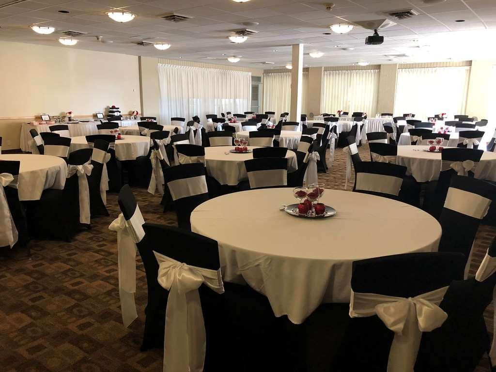 Best Western Tomah Hotel - Ballroom