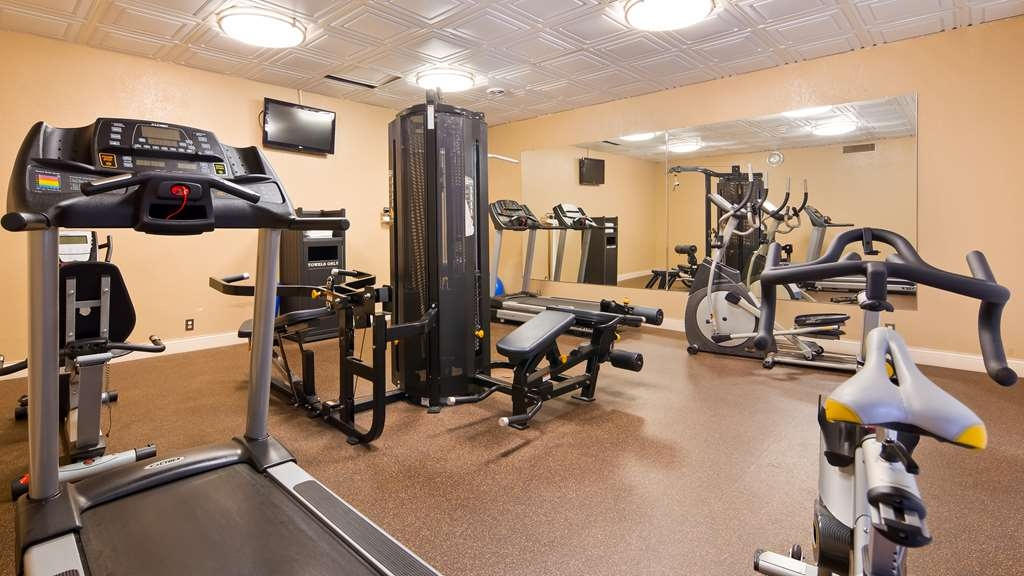 Best Western Tomah Hotel - Fit a workout into your busy day during your stay with the convenience of our 24-hour fitness center.