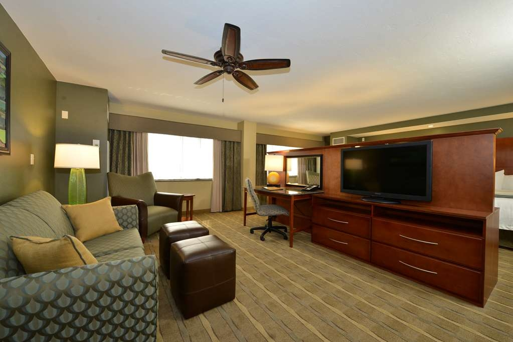 Best Western Premier Waterfront Hotel & Convention Center - The one room Executive Suites offer river views with a queen sofa sleeper, king size bed, refrigerator, microwave, safe and two 42-inch TVs.