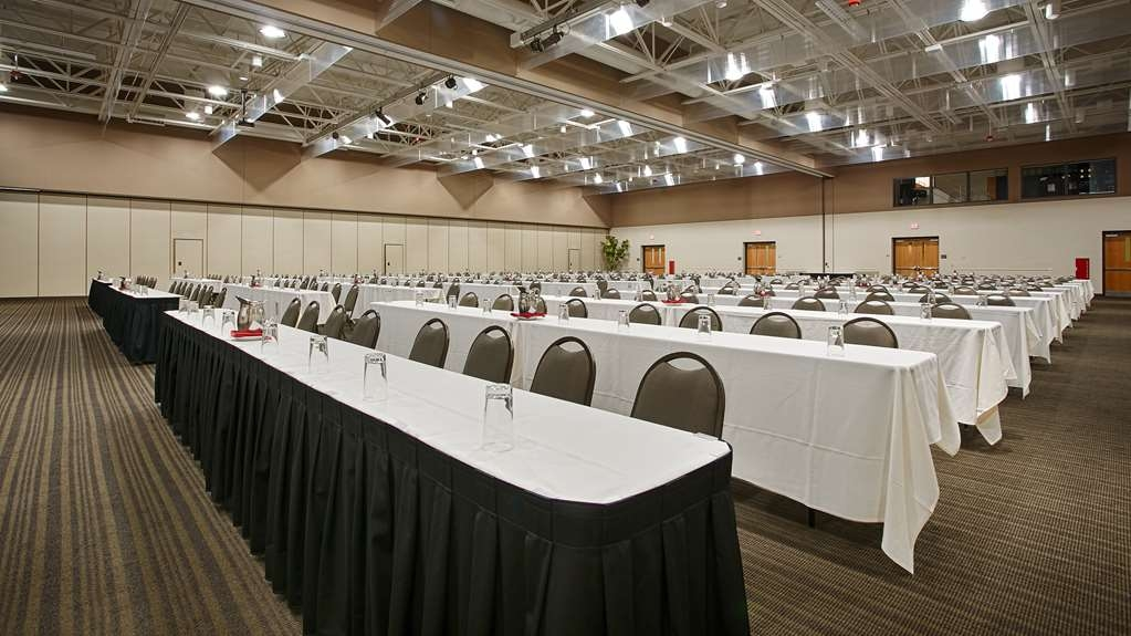 Best Western Premier Waterfront Hotel & Convention Center - Our flexible meeting spaces are the ideal setting for corporate events. Call our sales office to book today!