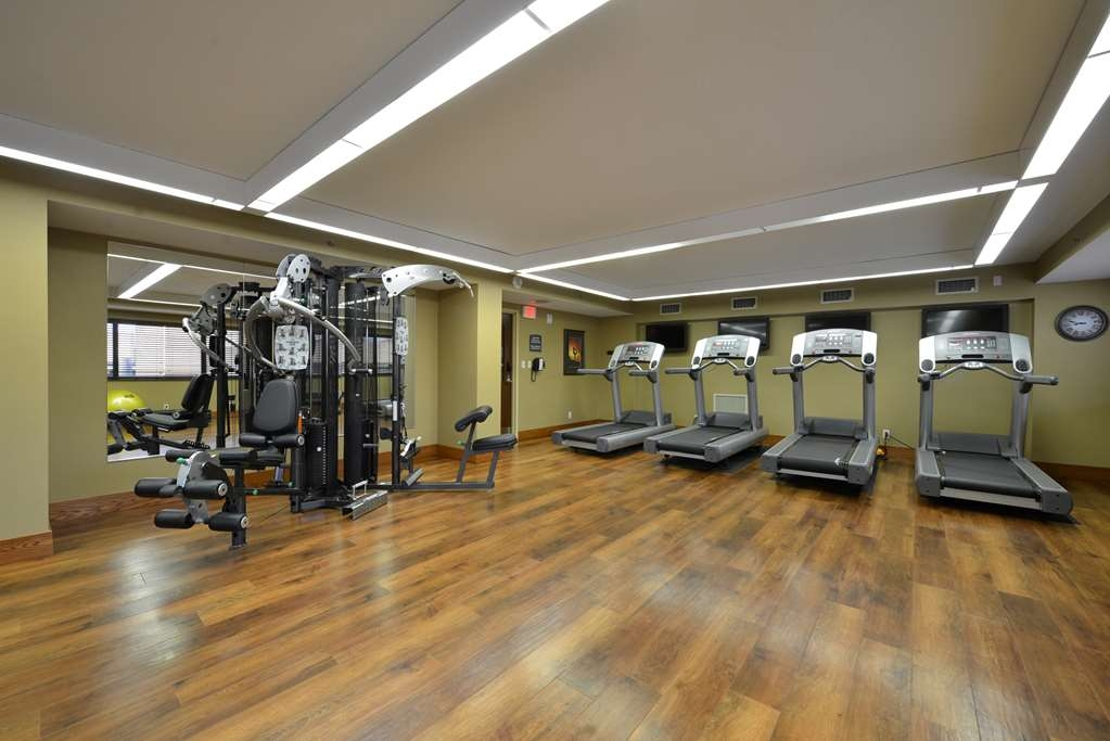 Best Western Premier Waterfront Hotel & Convention Center - Keep up with your workout routine during your time away from home when you visit the fully equipped fitness center.