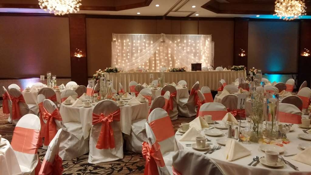 Best Western Premier Waterfront Hotel & Convention Center - Elegant wedding receptions are held in the Athearn Ballroom of the hotel.