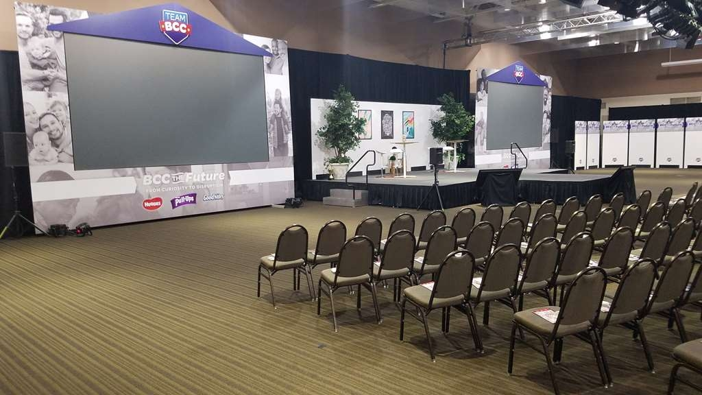 Best Western Premier Waterfront Hotel & Convention Center - Our team can customize any style set-up you would like for your conference.