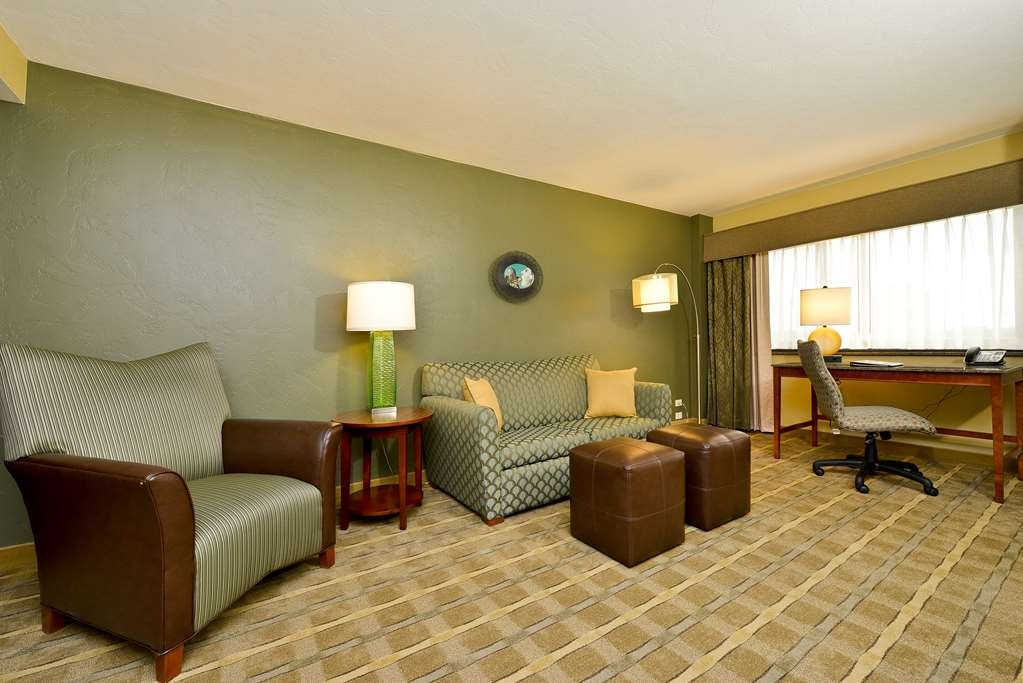 Best Western Premier Waterfront Hotel & Convention Center - The Executive Suite features a large flat screen TV, spacious work desk, pillow top bed, and free wireless Internet.