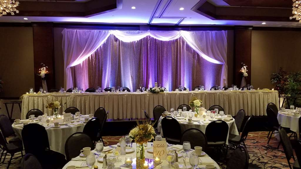 Best Western Premier Waterfront Hotel & Convention Center - The Athearn Ballroom of the hotel is one of the area's favorite wedding venues. The Ballroom comfortably accommodates weddings up to 220 guests.