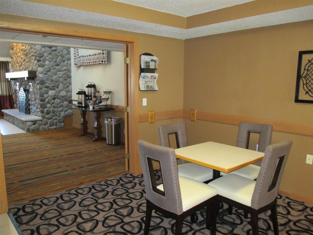 Best Western Germantown Inn - Breakfast Area