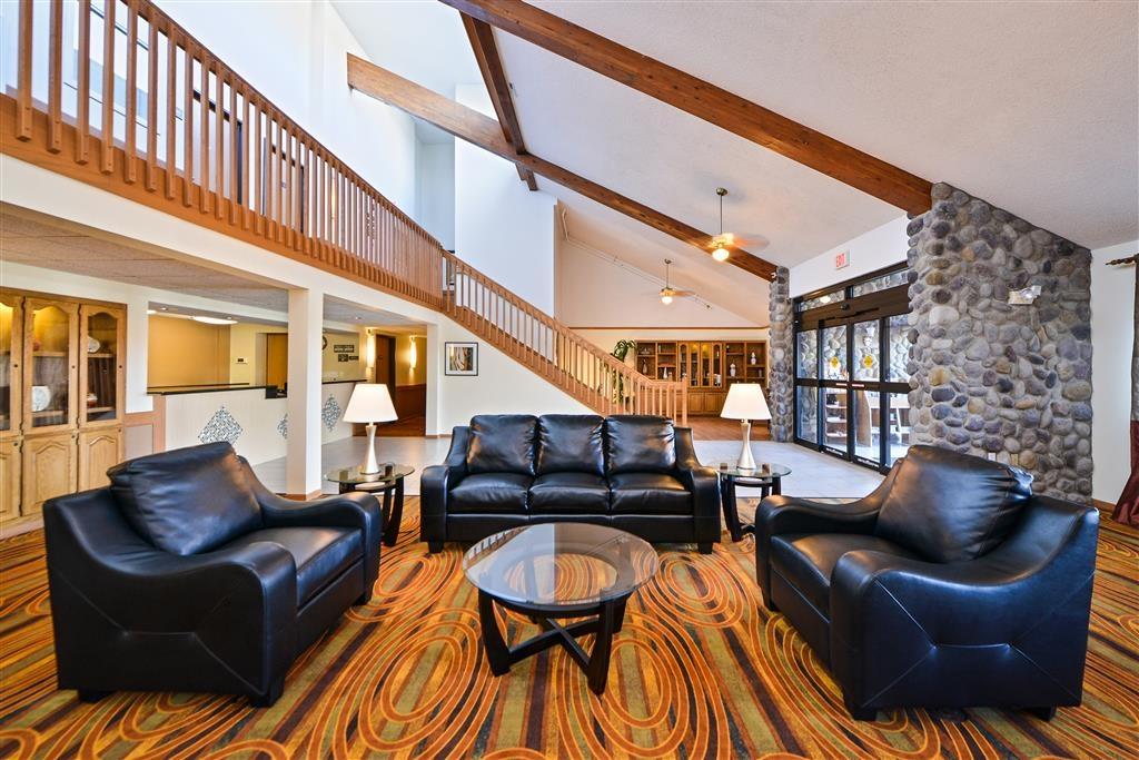 Best Western Germantown Inn - Hotel Lobby