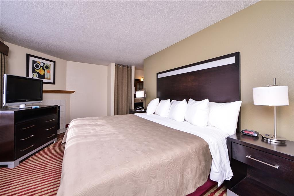 Best Western Germantown Inn - During the winter season, enjoy our king suites with whirlpool and fireplace.