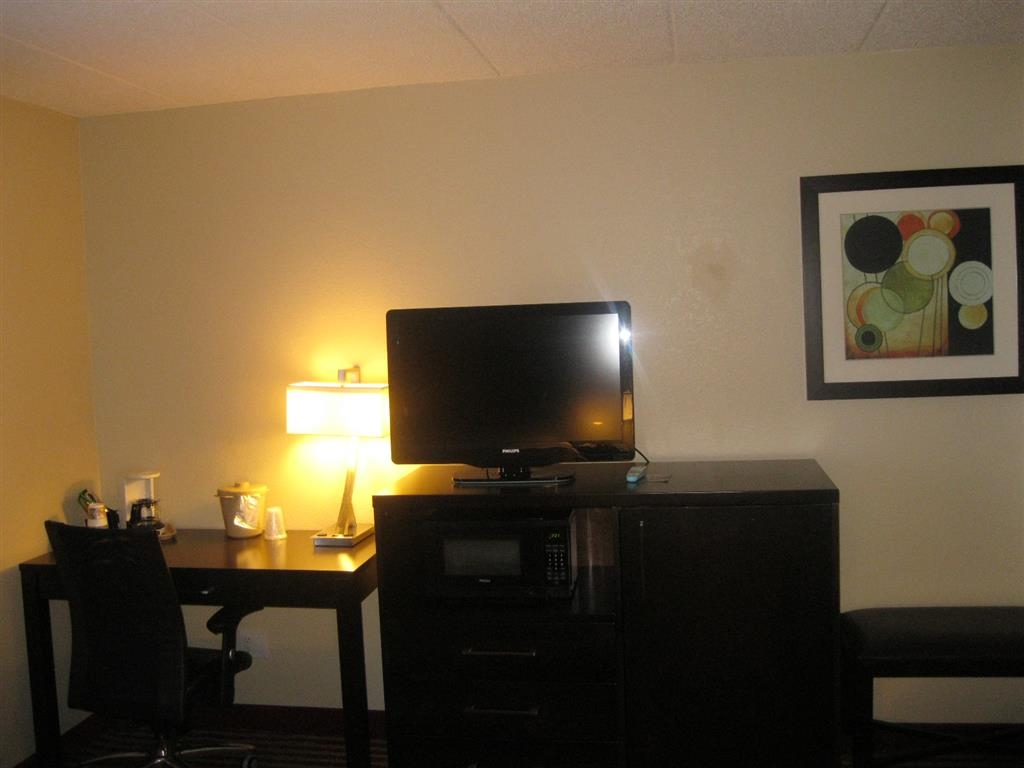 Best Western Germantown Inn - Two Queen Bed Guest Room