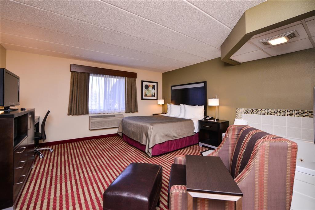 Best Western Germantown Inn - Queen Bed with Whirlpool