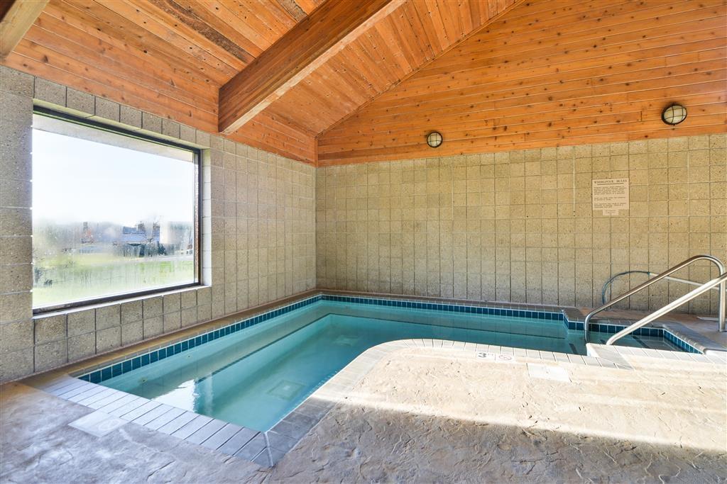 Best Western Germantown Inn - Indoor Hot Tub