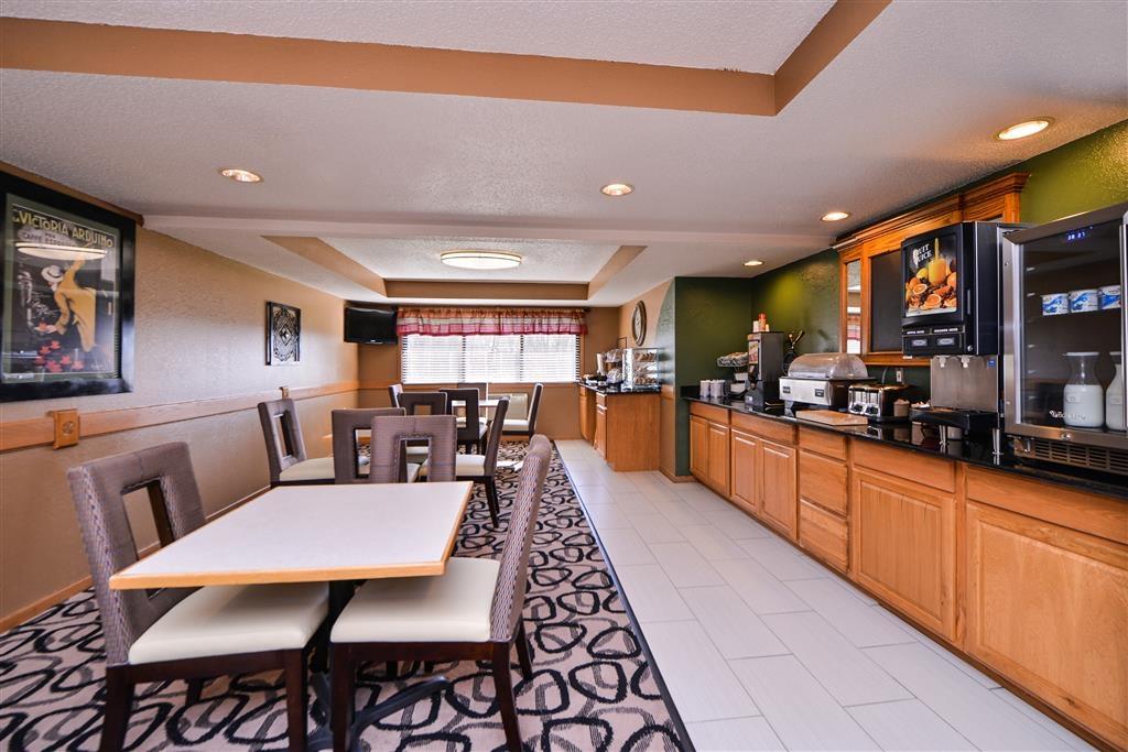 Best Western Germantown Inn - Enjoy our full hot breakfast buffet from 6 a.m. to 10 a.m.