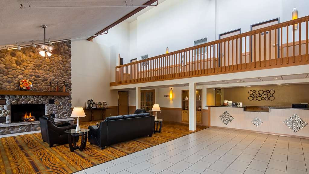 Best Western Germantown Inn - Be sure to stop by our front desk for help with check in/out.