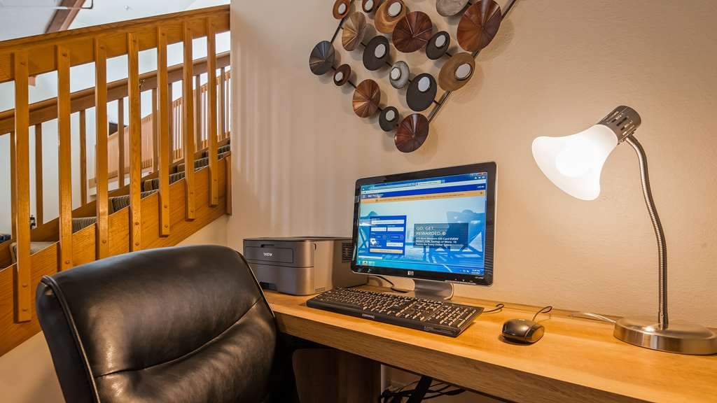Best Western Germantown Inn - Stay productive during your time away in our business center.