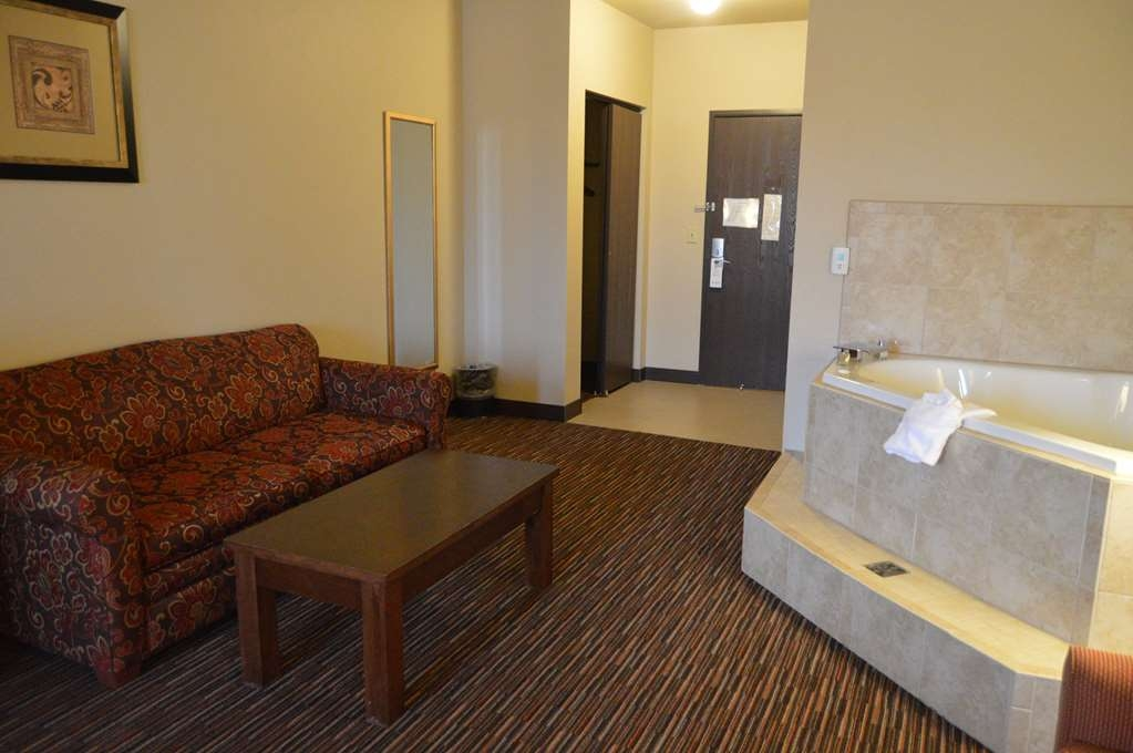 Best Western Plus Campus Inn - Suite