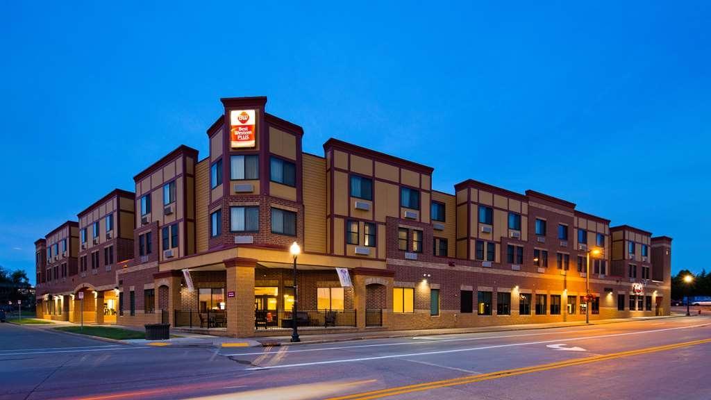 Best Western Plus Campus Inn - Exterior