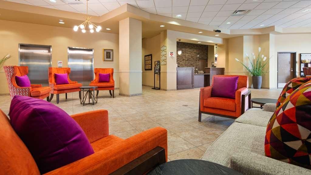 Best Western Plus Campus Inn - Lobby