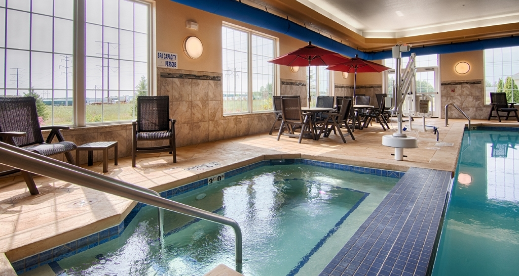Best Western Plus Wausau-Rothschild Hotel - whilrpool