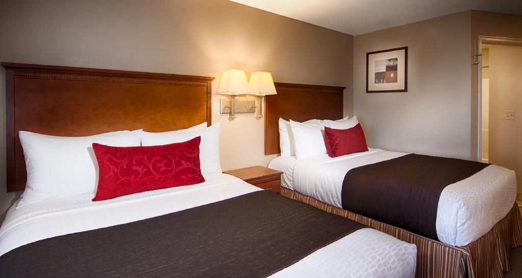 Best Western Plus Wausau-Rothschild Hotel - Two Queen Studio