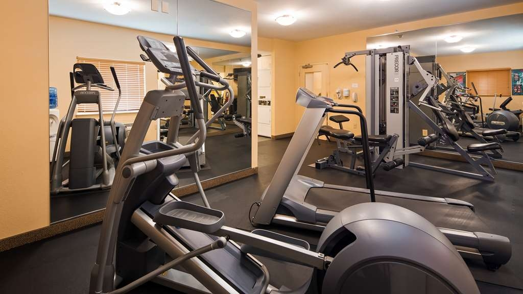 Best Western Plus Wausau-Rothschild Hotel - Maintain your fitness routine during your stay with us in our fitness center.