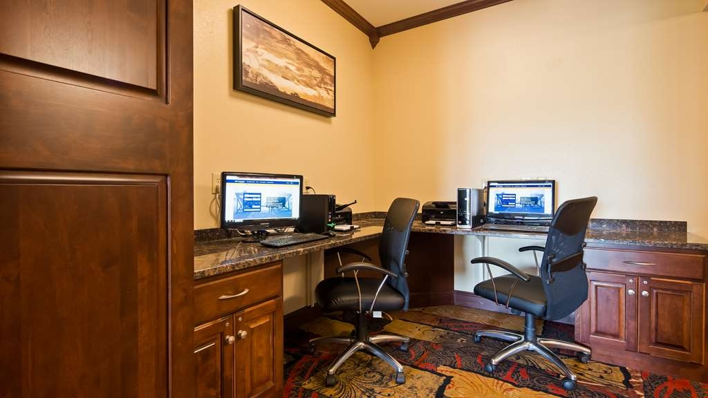 Best Western Plus Wausau-Rothschild Hotel - Stay productive during your time away from home in our business center.