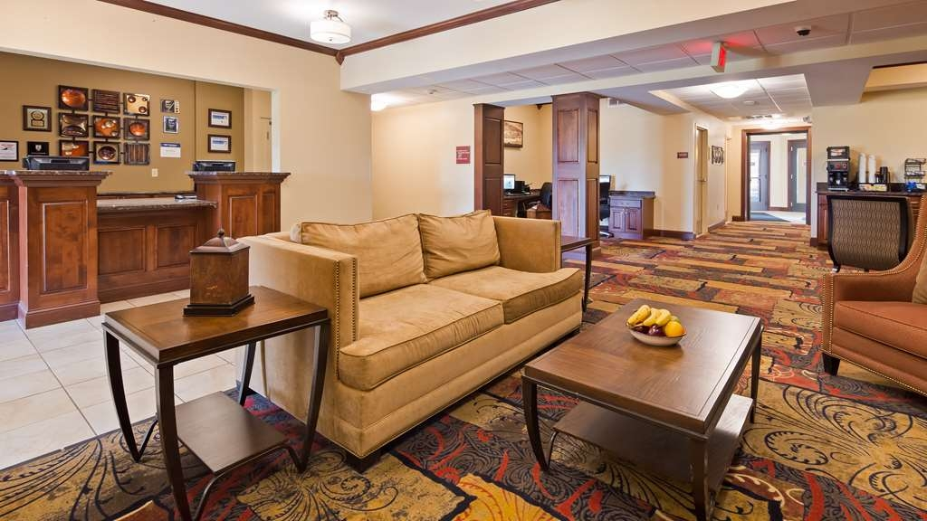 Best Western Plus Wausau-Rothschild Hotel - Make sure you visit our front desk staff for check in/out help.