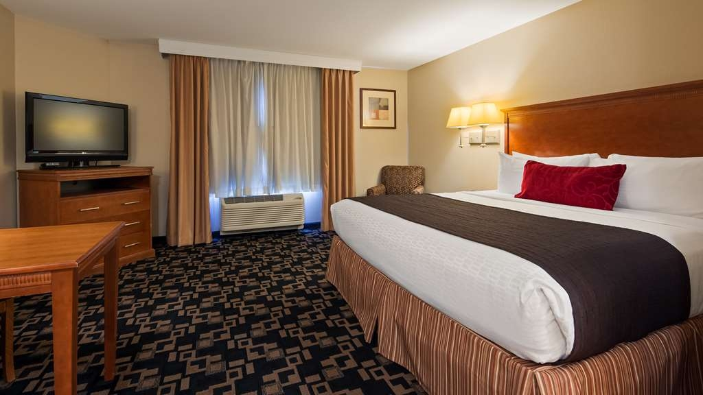 Best Western Plus Wausau-Rothschild Hotel - Guest room
