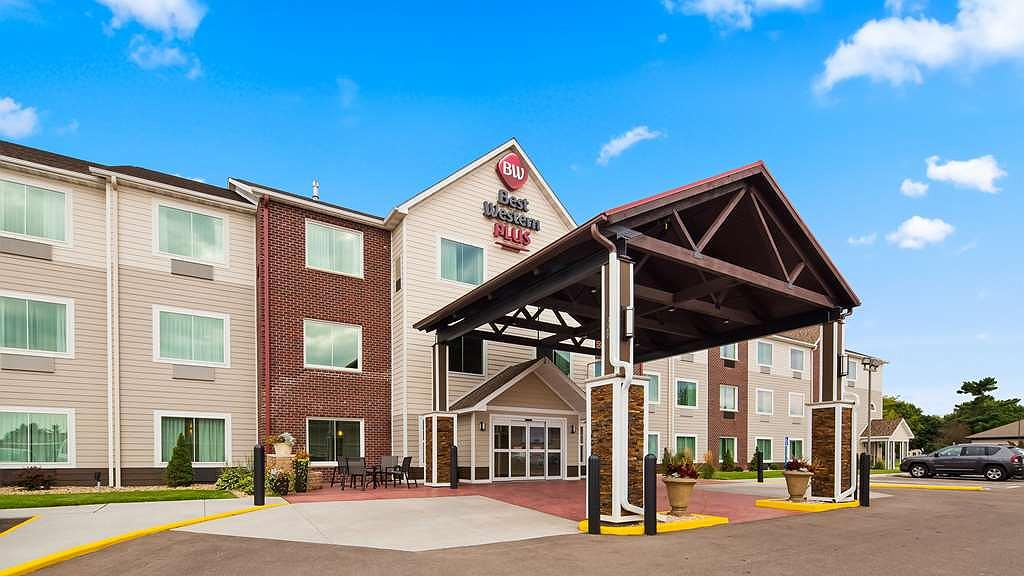 Best Western Plus Menomonie Inn & Suites - Vista exterior