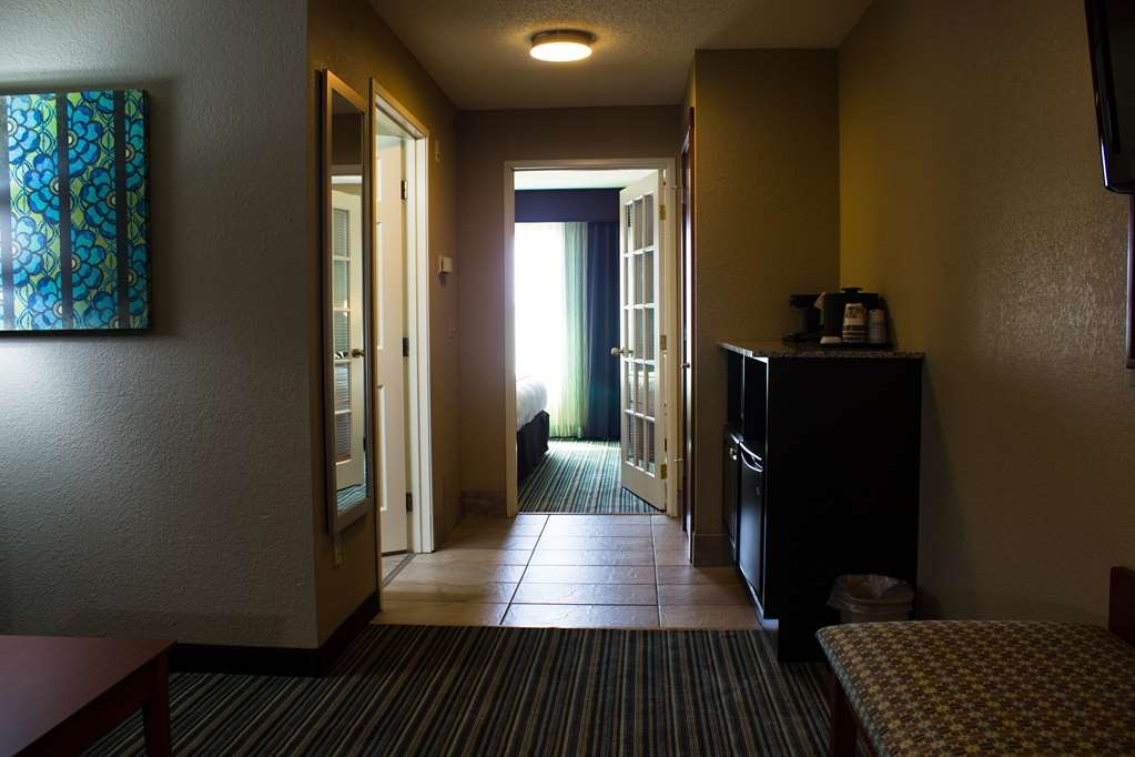 Best Western Plus Menomonie Inn & Suites - One Bedroom