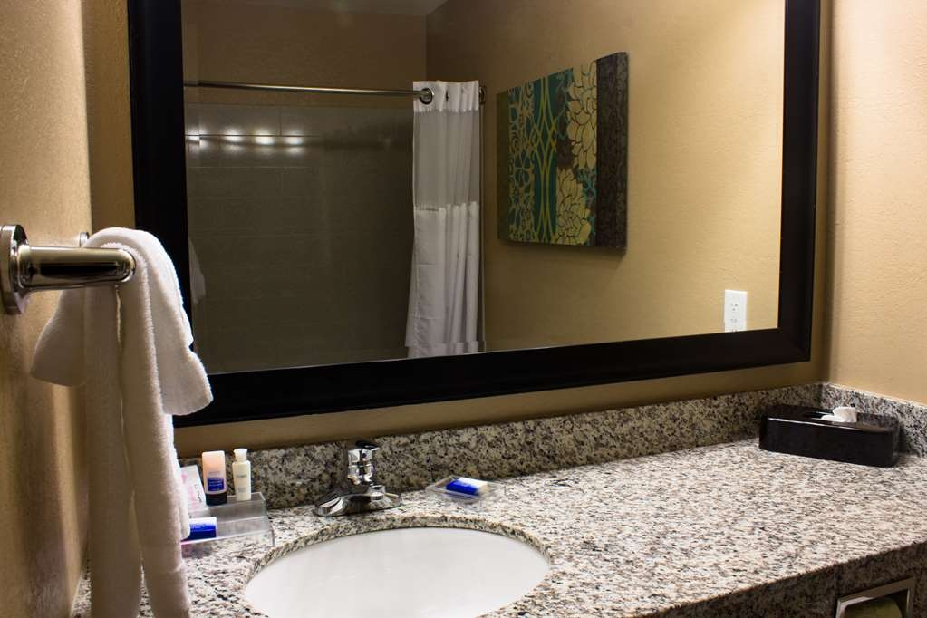 Best Western Plus Menomonie Inn & Suites - Bagno