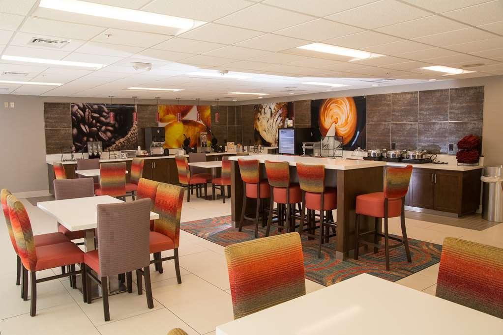 Best Western Premier Milwaukee-Brookfield Hotel & Suites - Restaurant / Gastronomie