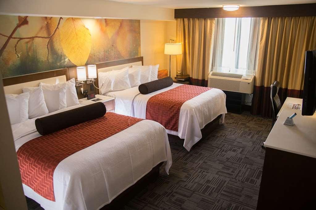 Best Western Premier Milwaukee-Brookfield Hotel & Suites - Gästezimmer/ Unterkünfte