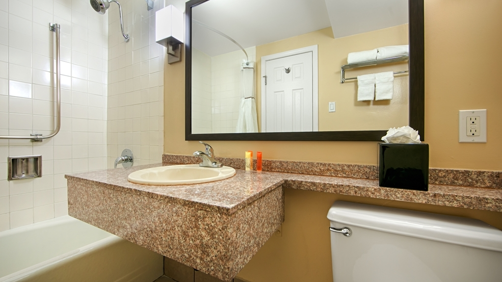 Best Western Canoga Park Motor Inn - Salle de bain
