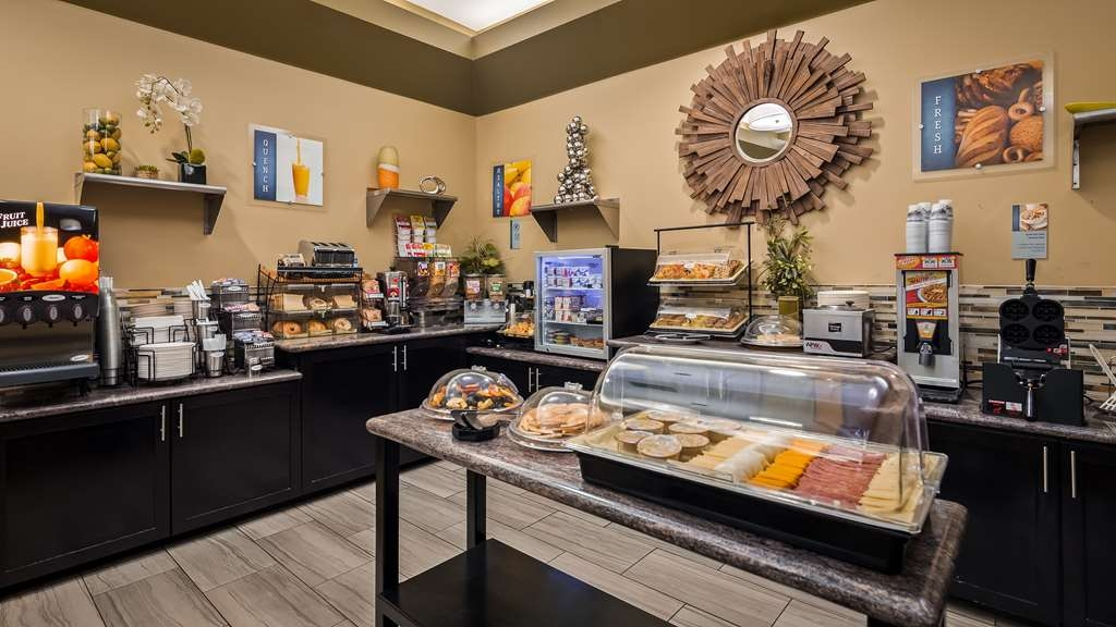 Best Western Canoga Park Motor Inn - Breakfast Area