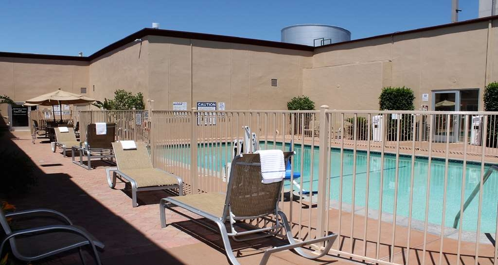 Best Western Canoga Park Motor Inn - Hotel Outdoor Pool