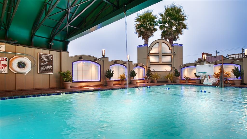 Best Western Plus Humboldt Bay Inn - Piscina