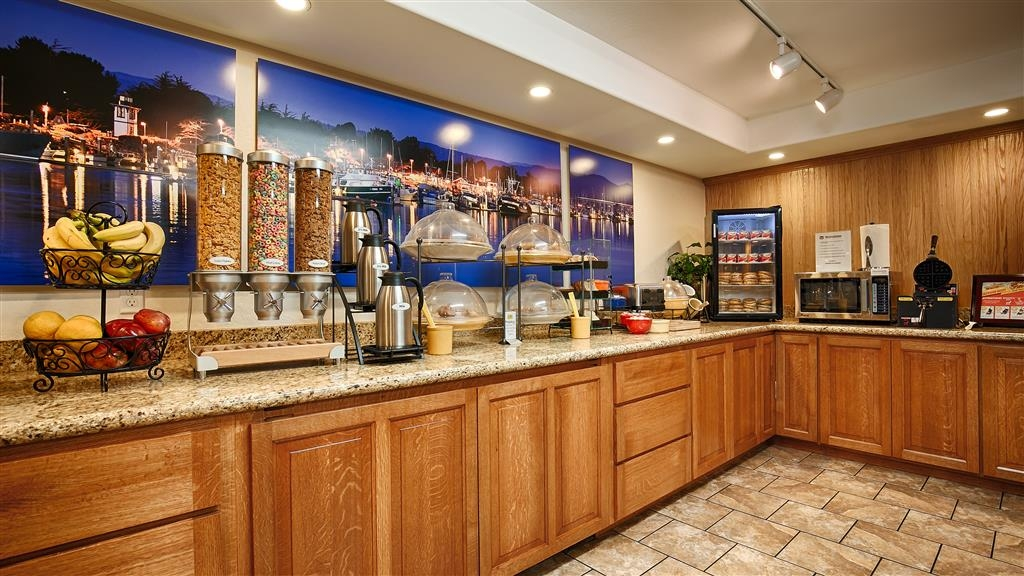 Best Western Plus Humboldt Bay Inn - We offer a complimentary breakfast buffet served fresh every morning for you.