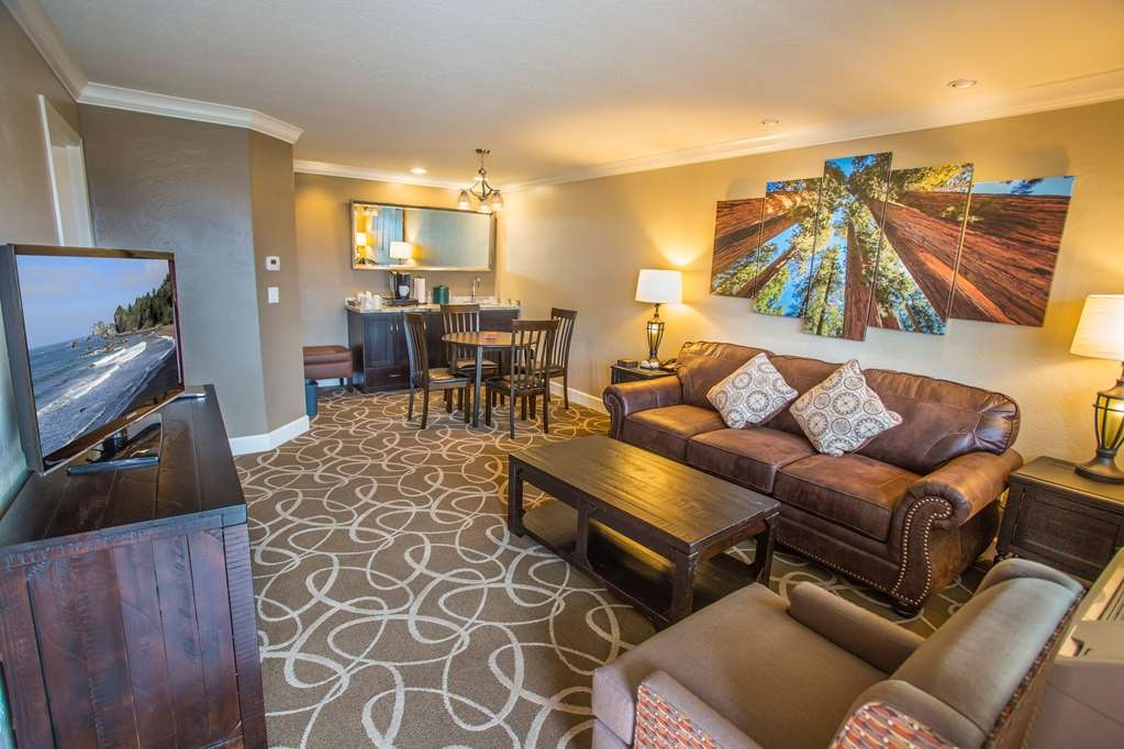 Best Western Plus Humboldt Bay Inn - Suite