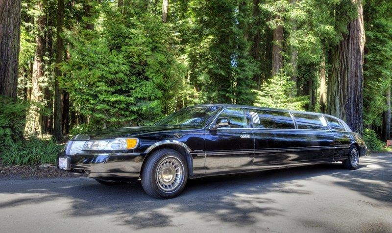 Best Western Plus Humboldt Bay Inn - Limousine e sequoie