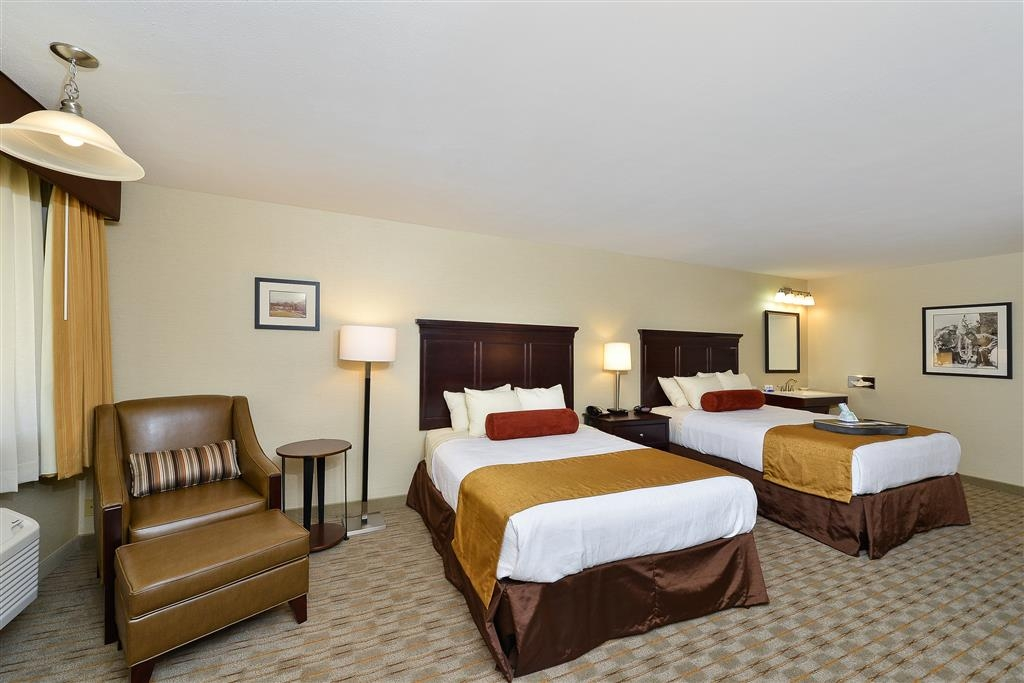 Best Western Plus Frontier Motel - Immediately feel at home when you walk into this two queen bed, mobility accessible guest room.