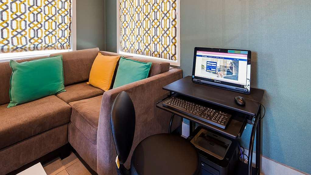 Hotel in Monterey | Best Western Park Crest Inn