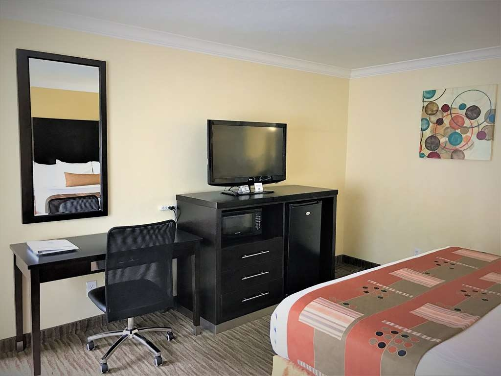 Best Western Park Crest Inn - Make yourself at home in our King Guest Room