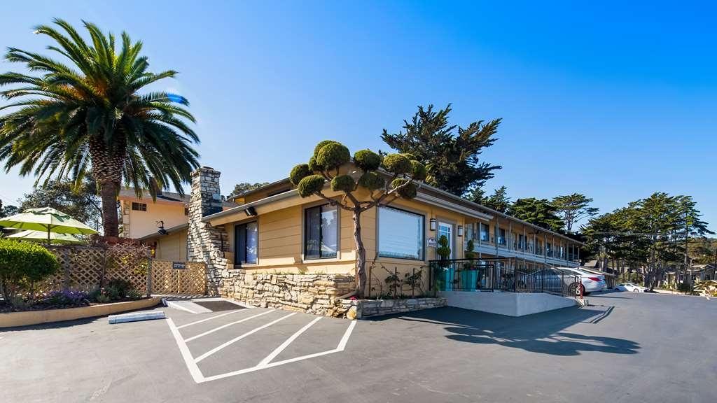 Best Western Park Crest Inn - Hotel Exterior