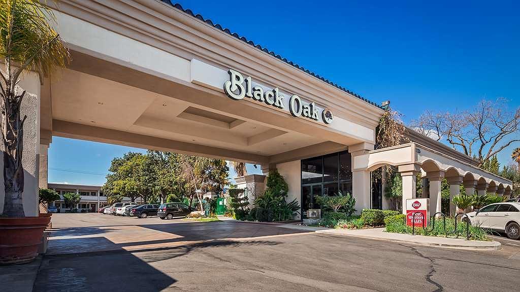 Best Western Plus Black Oak - Area esterna