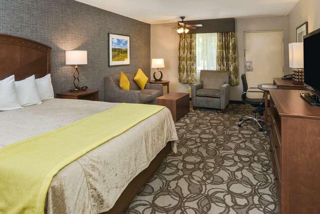 Best Western Plus Black Oak - Habitaciones/Alojamientos
