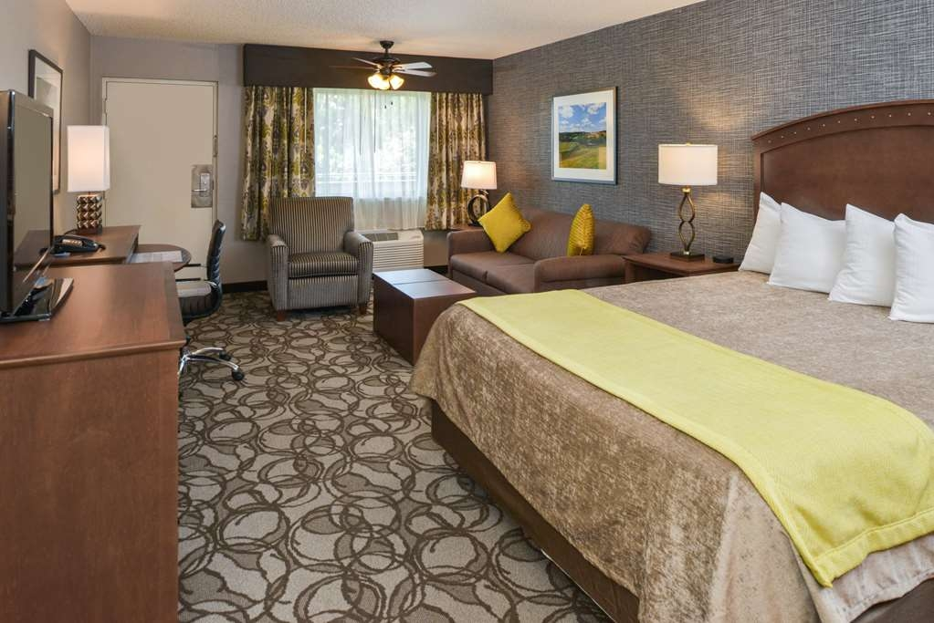 Best Western Plus Black Oak - Suite