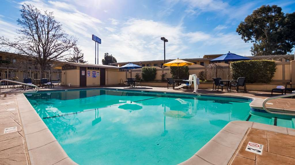 Best Western Petaluma Inn - Vista de la piscina