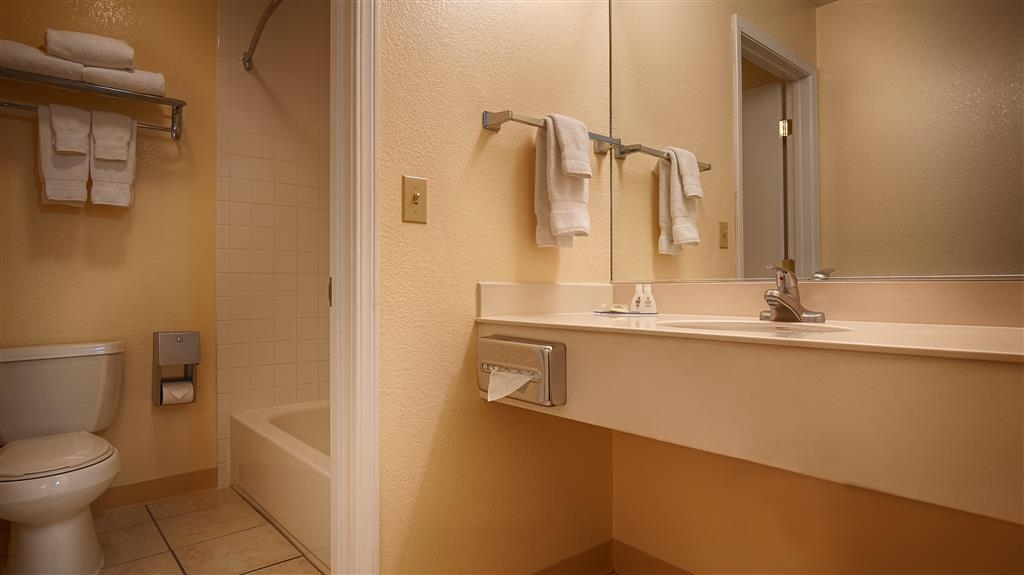 Best Western Petaluma Inn - We take pride in making everything spotless for your arrival.