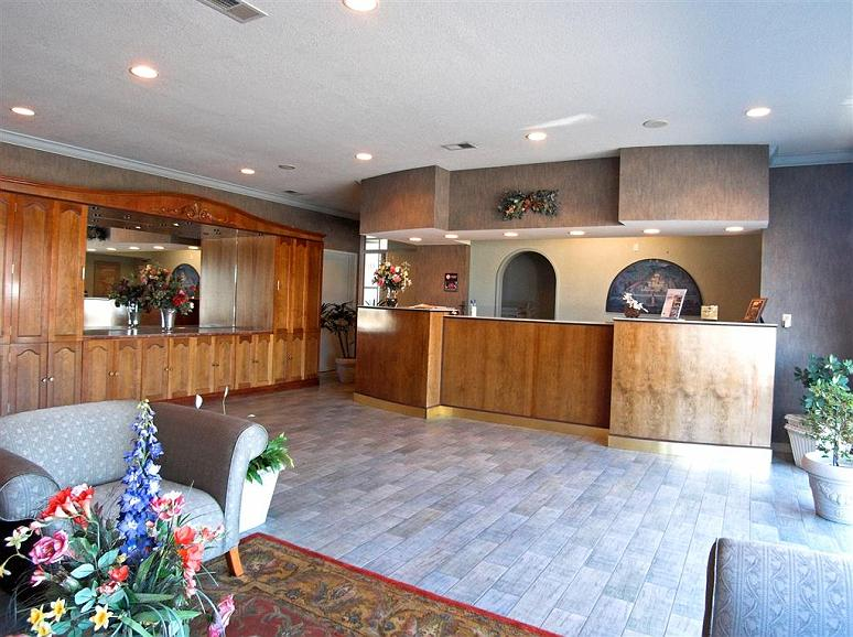 Best Western Inn - Make yourself comfortable when you arrive by enjoying our Lobby