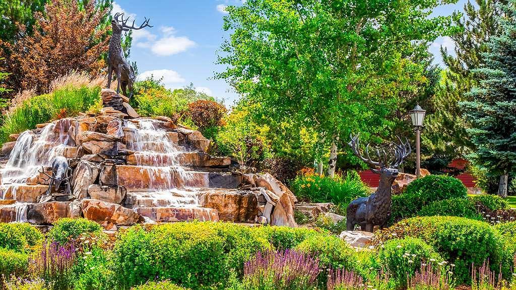 Best Western Dunmar Inn - Waterfall